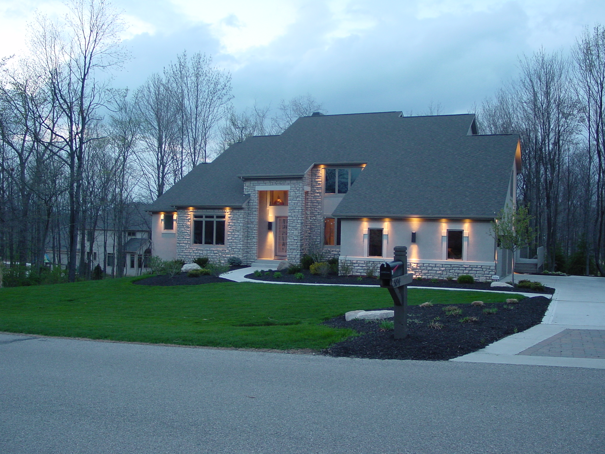 5194 Stratford Ave. Quality Custom Soft Contemporary Home In Wedgewood For Sale - Olentangy Schools
